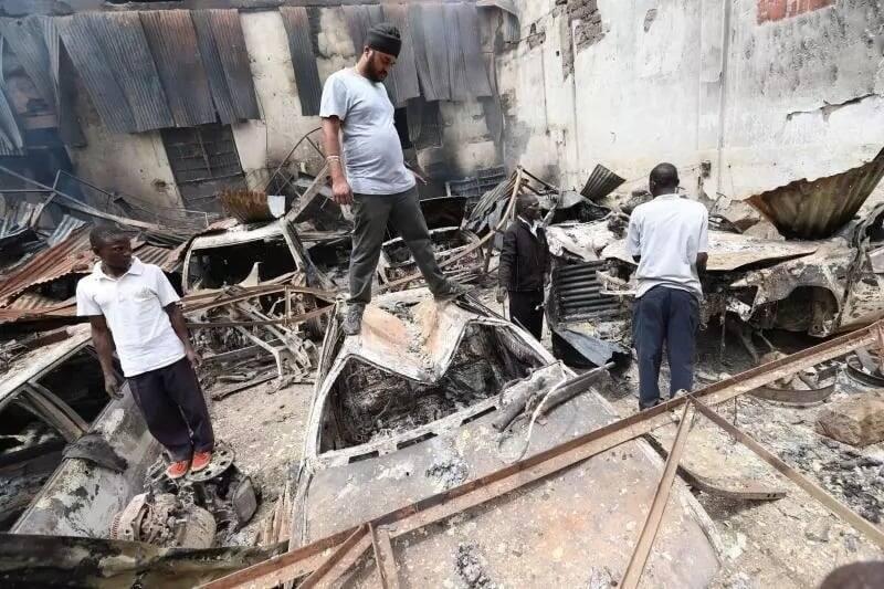 Mmiliki wa nyumba Kisumu akamatwa kwa kuteketeza magari 19, maduka baada ya kutofautiana na wapangaji
