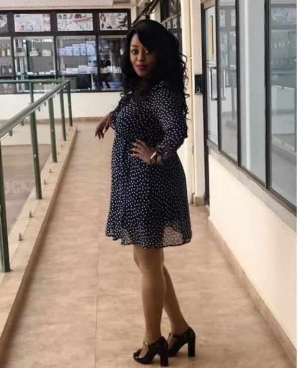 Citizen TV's Lilian Muli dresses her bulging baby bump in short dress, fish-net tights and she looks hot AF