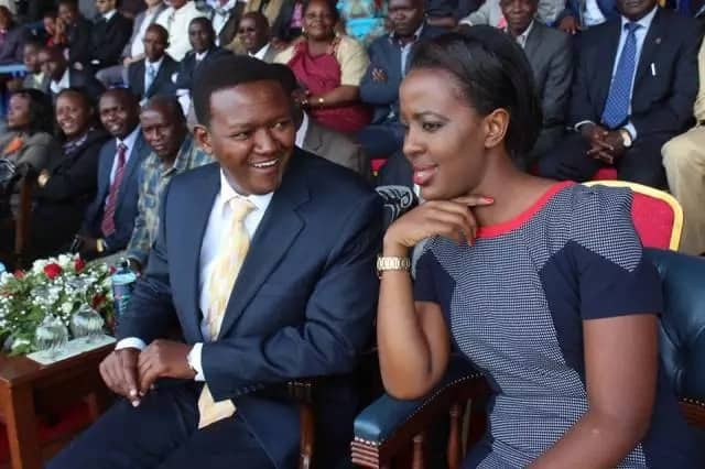 Top 10 Kenyan Romantic Public Couples