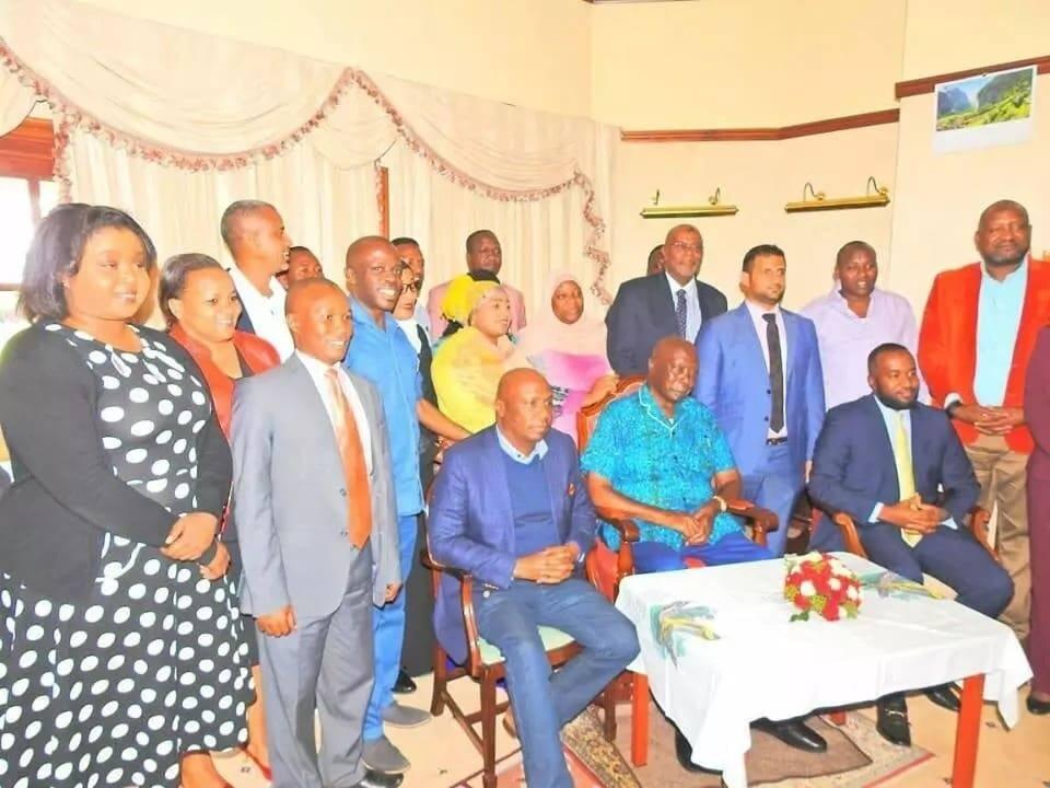 Joho afanya mkutano wa faragha ya Rais mstaaafu Moi nyumbani kwake