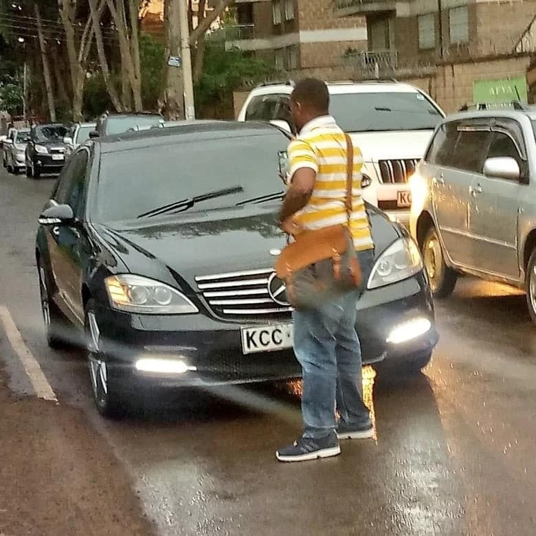 Daring Kenyan blocks Jubilee MP's car being driven on wrong side of road