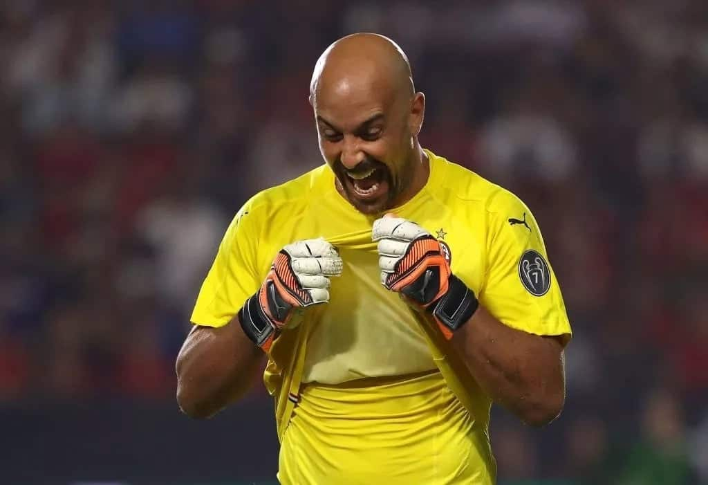Ex-Liverpool goalkeeper Pepe Reina wins award for highest clean-sheet ratio in EPL history