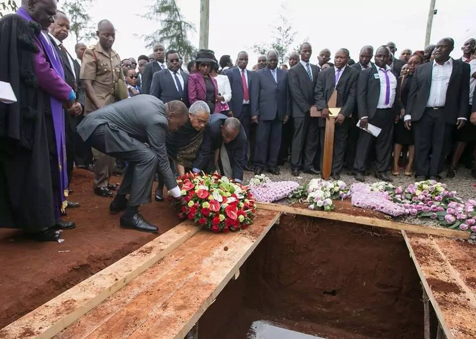 I will not allow a few individuals with selfish ambitions to to destroy Kenya-Uhuru indirectly responds to Raila