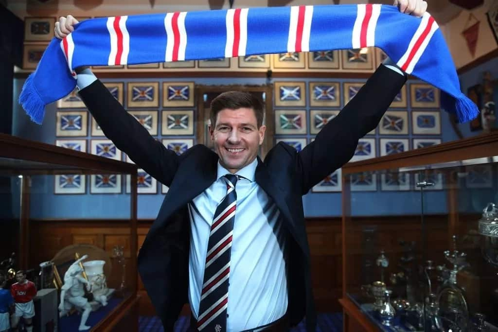 Mchezaji matata wa Liverpool Steven Gerrard kusimamia Rangers