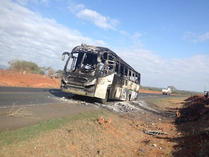 Passengers escape death after Mombasa bound bus mysteriously catches fire, burns to ashes