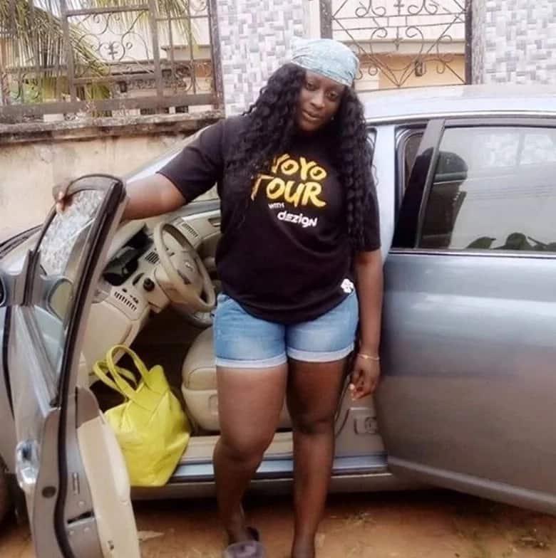 Mwigizaji wa kike Nigeria asema Flavour anamtesa kwa picha zake