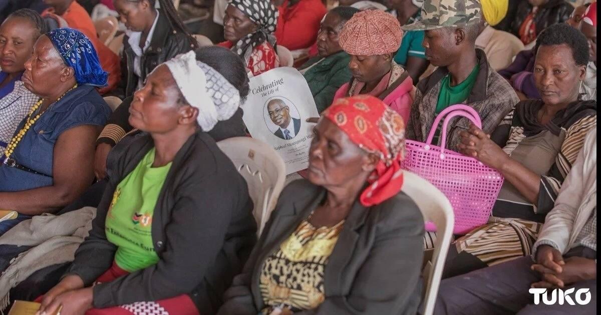 Uhuru attends burial of dad to senior State House staffer in Machakos