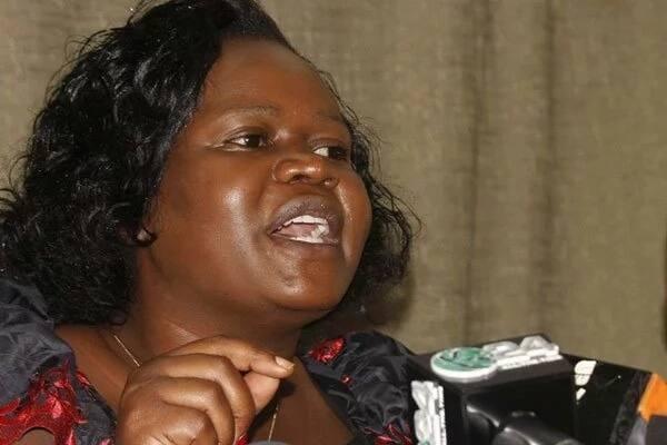 Mwakilishi wa Kike wa Homa Bay anakiliwa akigombana na maafisa wa polisi