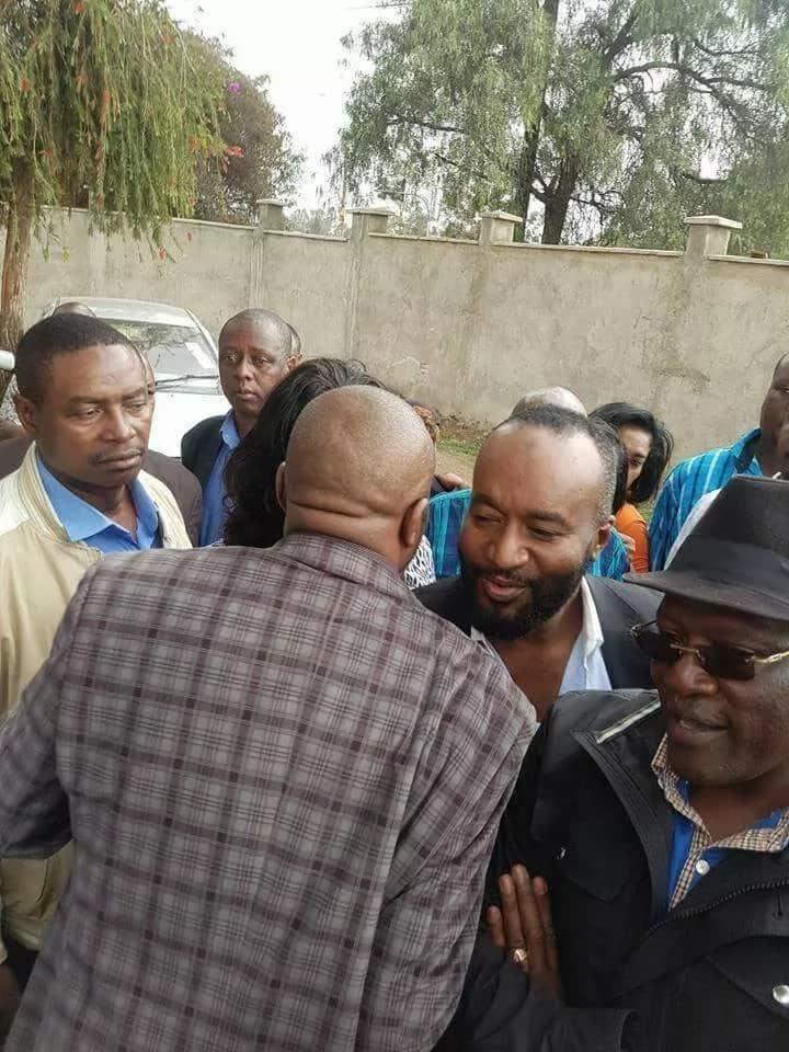 Kila mara mtu kutoka Jubilee akikamatwa, Uhuru hutafuta mtu kutoka NASA kumsindikiza – Raila