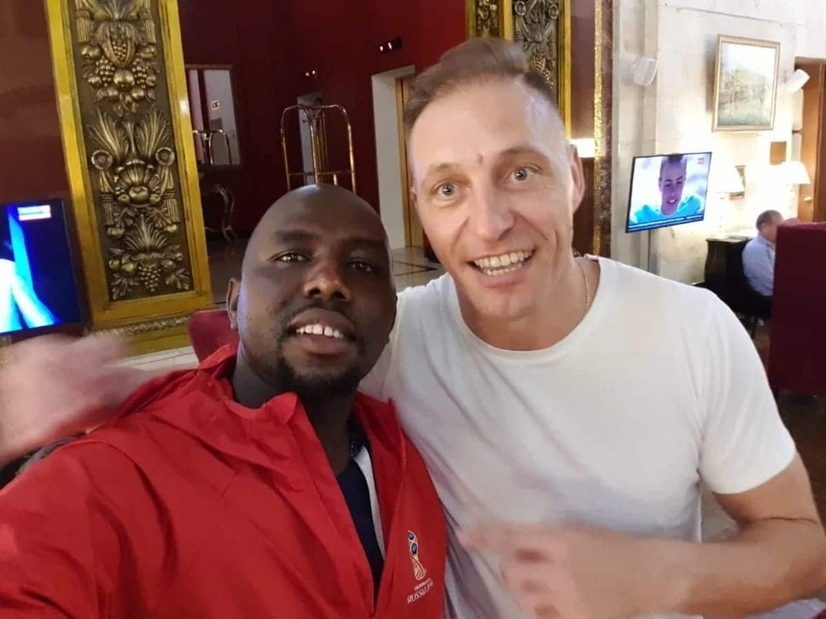 Senator Murkomen trolled by angry Kenyans after selfie with World Cup final referee