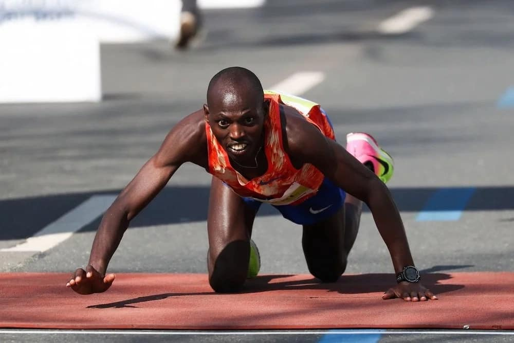 Photos of Kenyan athlete who finished second while crawling to the finish line breaks the internet