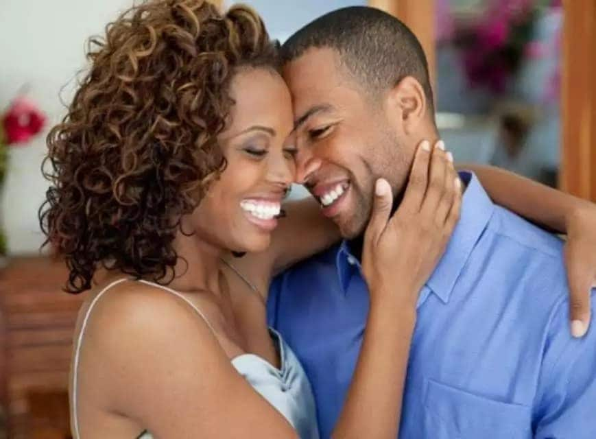13 things that go on in lady's mind on first visit to new lover's house