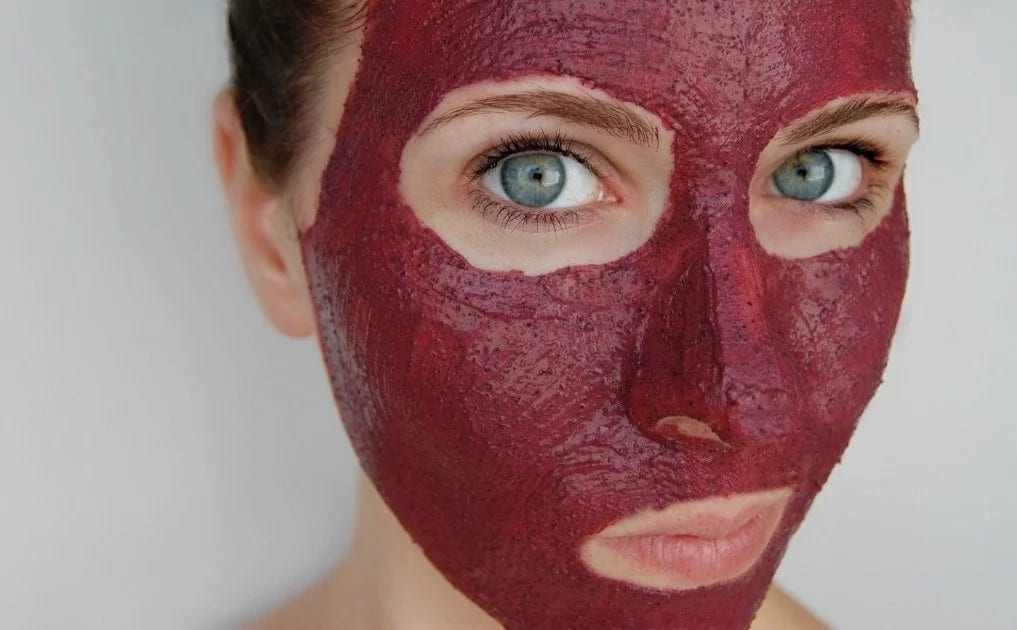 Beauty and Health Benefits of Hibiscus Tea for Skin and Hair