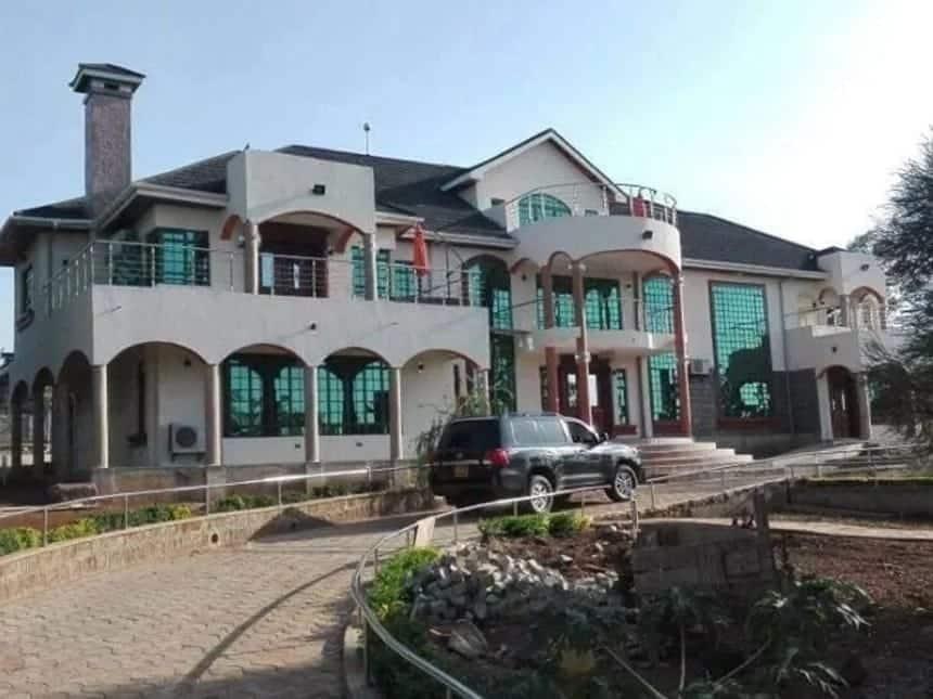 Vita dhidi ya rushwa: EACC wapata stakabadhi muhimu katika nyumba za Obado