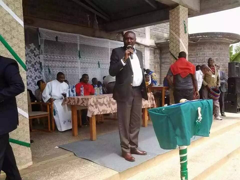Uhuru alikuwa aongoze miaka 10 na amwachie Ruto – Ngujiri