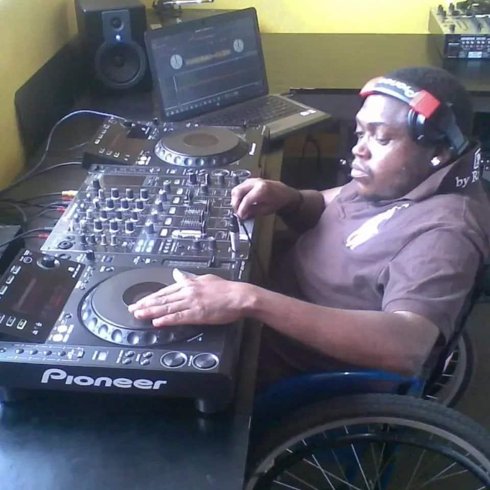 Kutana na DJ mlemavu ambaye humtumbuiza Rais Uhuru Ikuluni