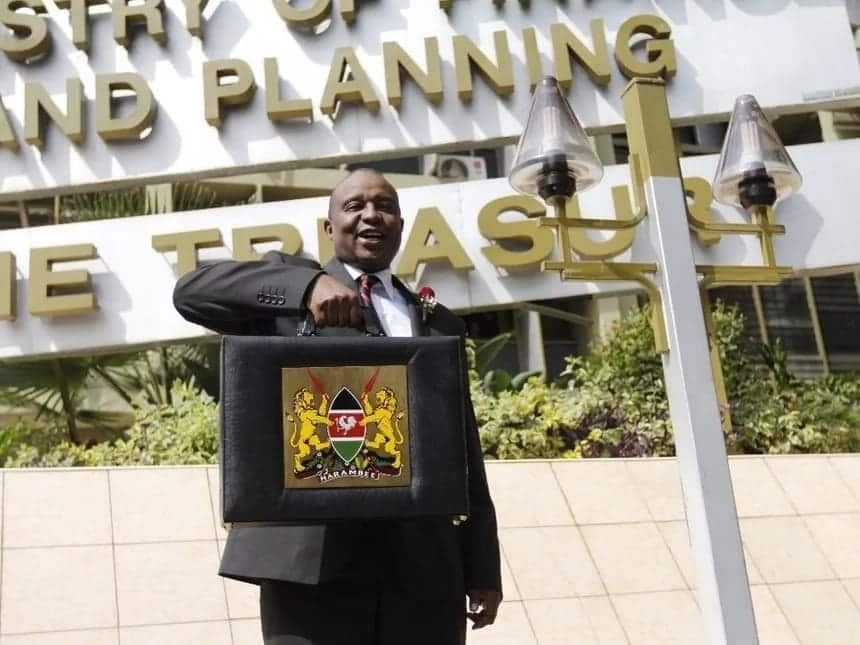 MPs give Uhuru 4 days to fire treasury CS Henry Rotich following numerous scandals