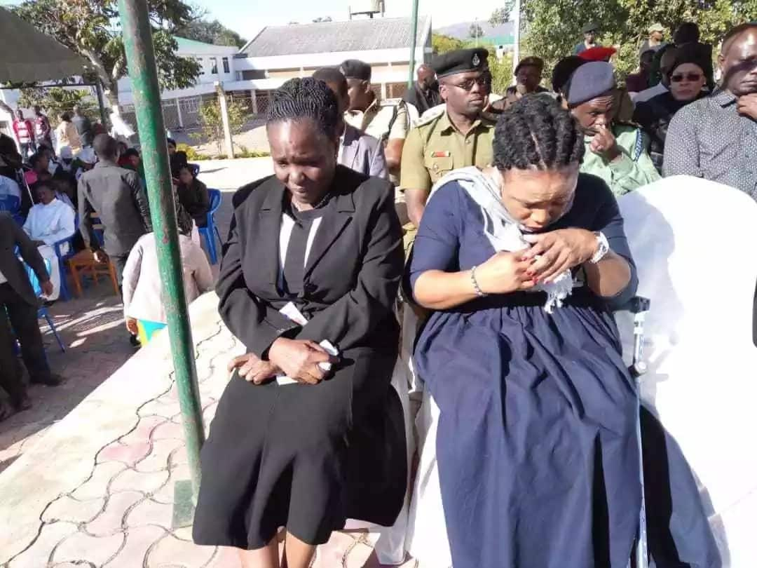 Mazishi ya pacha Maria na Consolata yajaa vilio, wakizikwa katika jeneza maalum (Picha)
