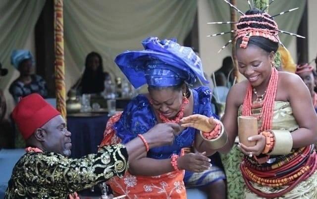 Nigerian traditional wedding attire Nigerian traditional wedding attire for bride Grooms traditional wedding attire