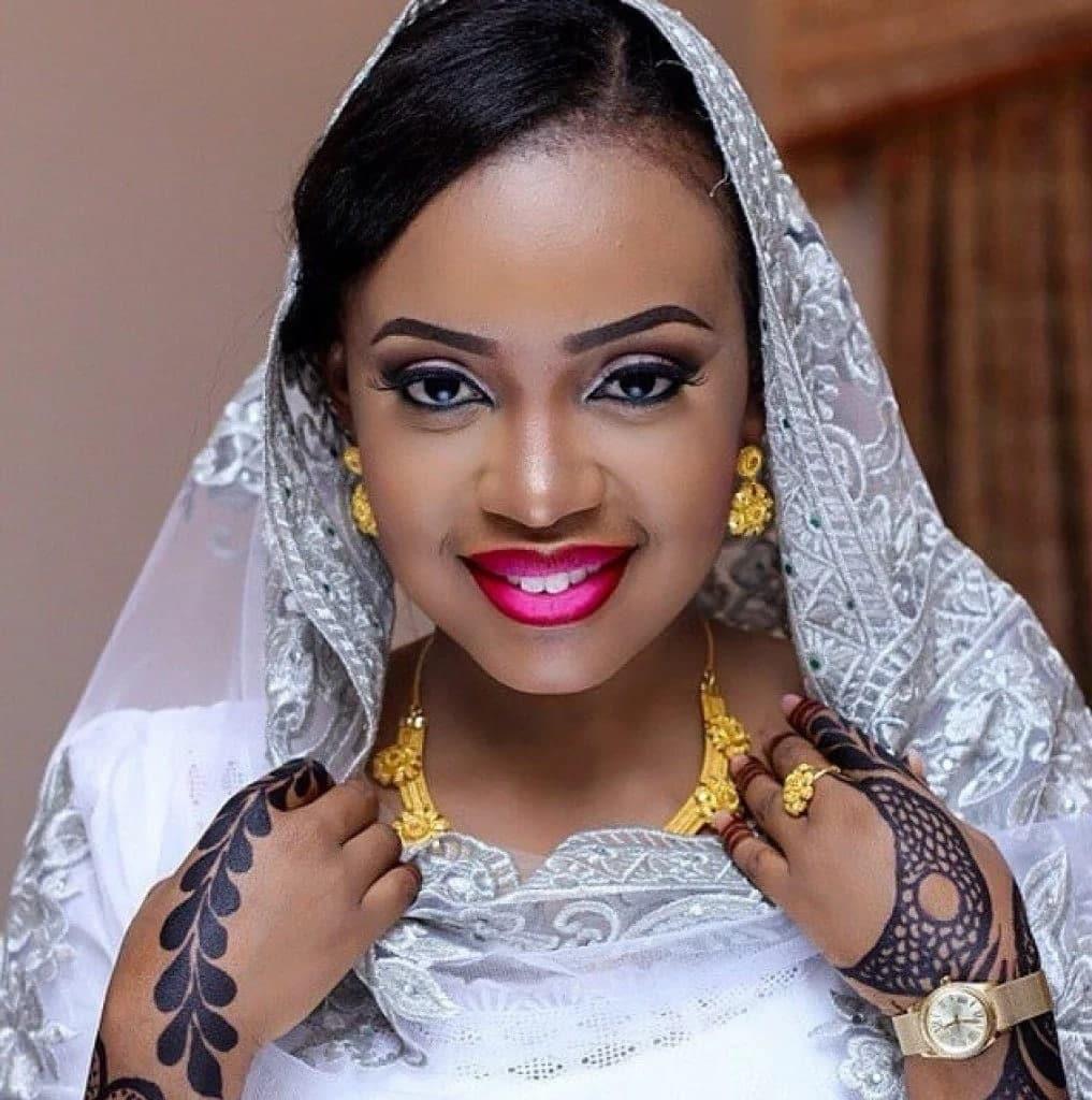 Nigerian traditional wedding attire Traditional attire for Nigerian wedding Nigerian traditional wedding attire for bride