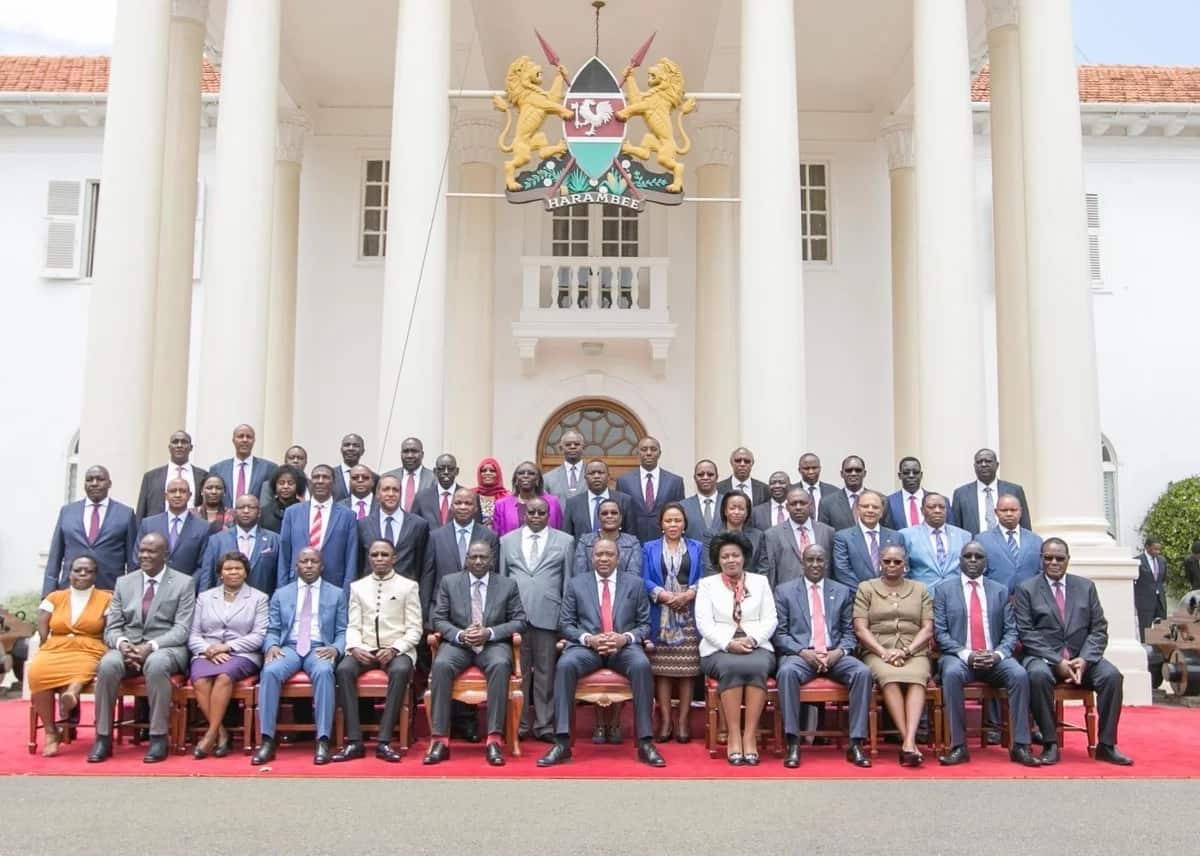 The President and his cabinet.