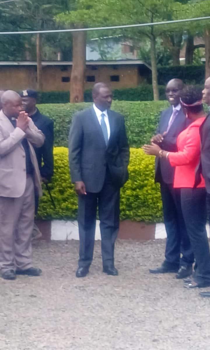 Teachers' union wants Uhuru, Ruto to stay away from exam centers