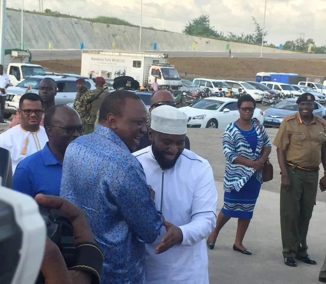Joho finally meets Uhuru months after handshake with Raila