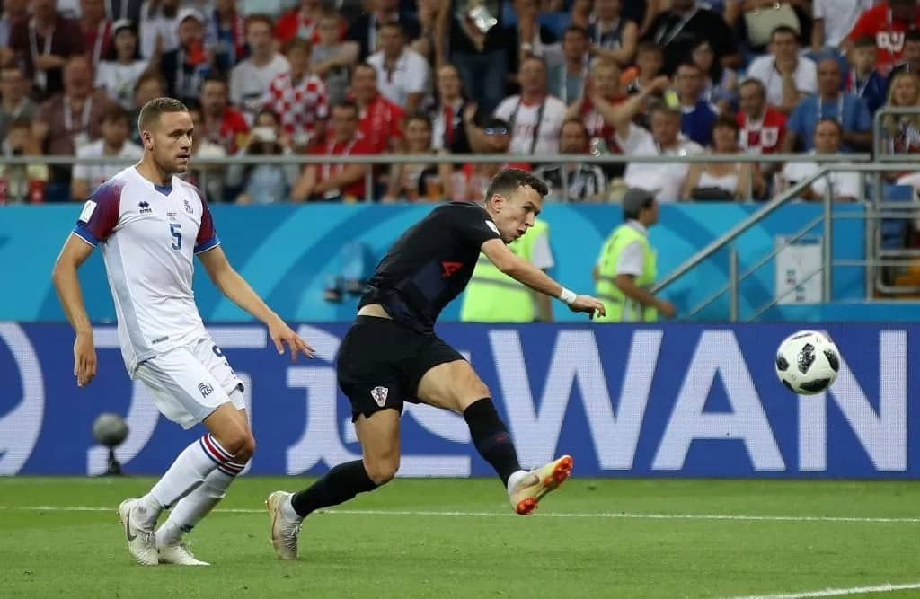 Badelj, Perisic score as Croatia beat Iceland 2-1 to top group and qualify for round of 16