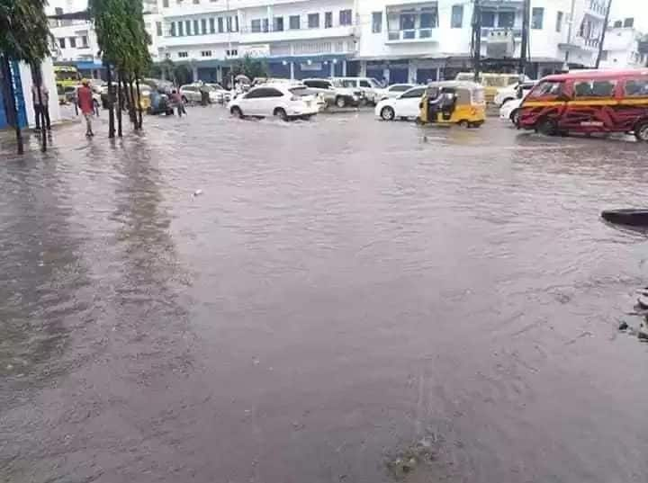 Heavy rains pound Mombasa a day after warning from Meteorological department