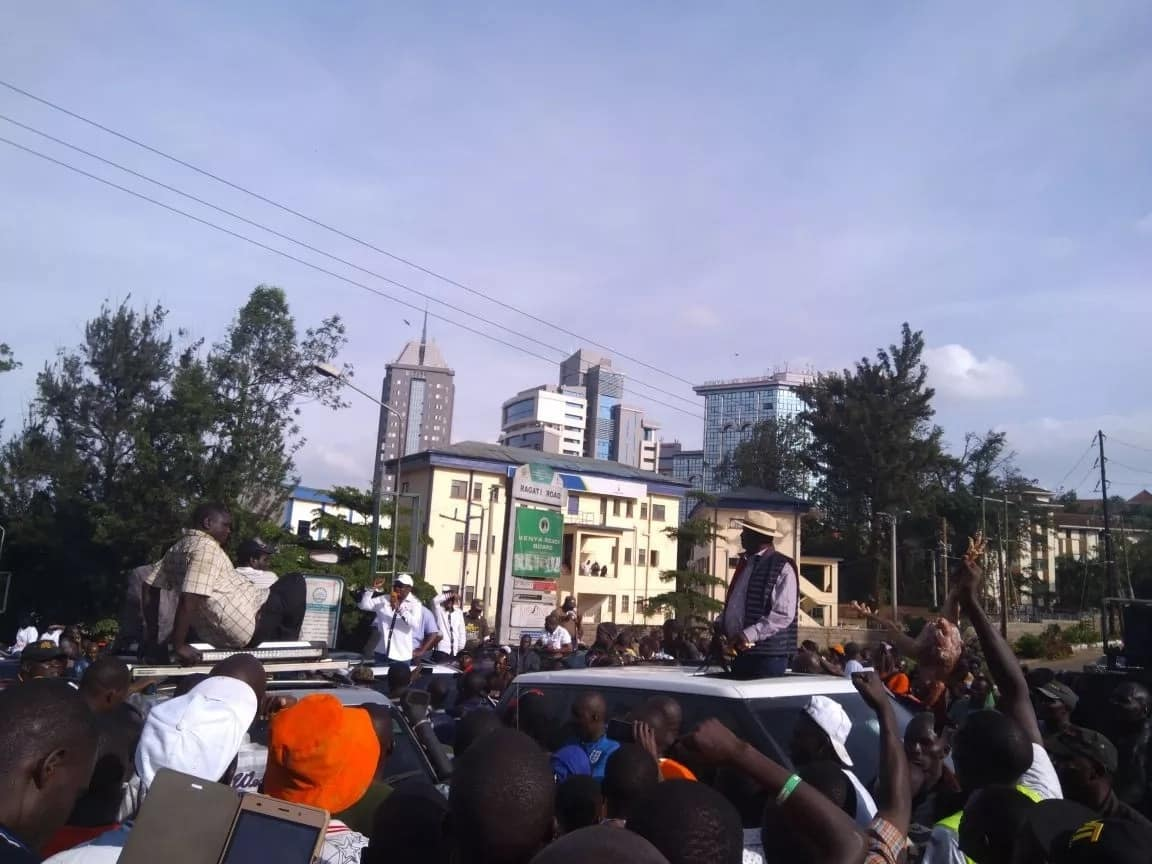 Raila issues tough statement after running battles with police in Nairobi
