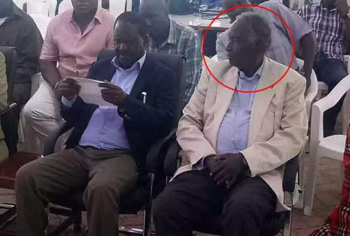 Raila meets Uhuru's powerful uncle at church service