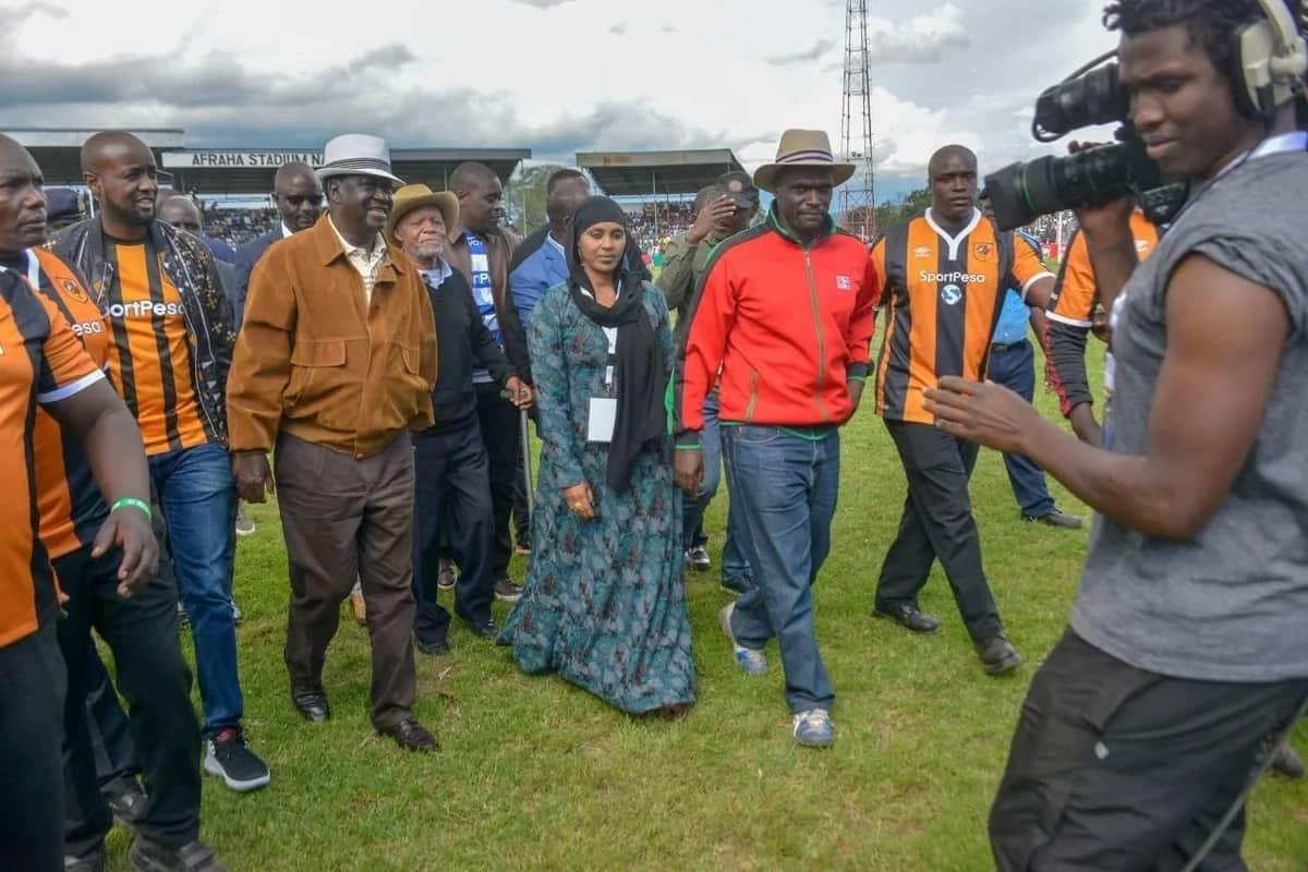 Raila arrives fashionably late in chopper for Gor, AFC Mashemeji Derby