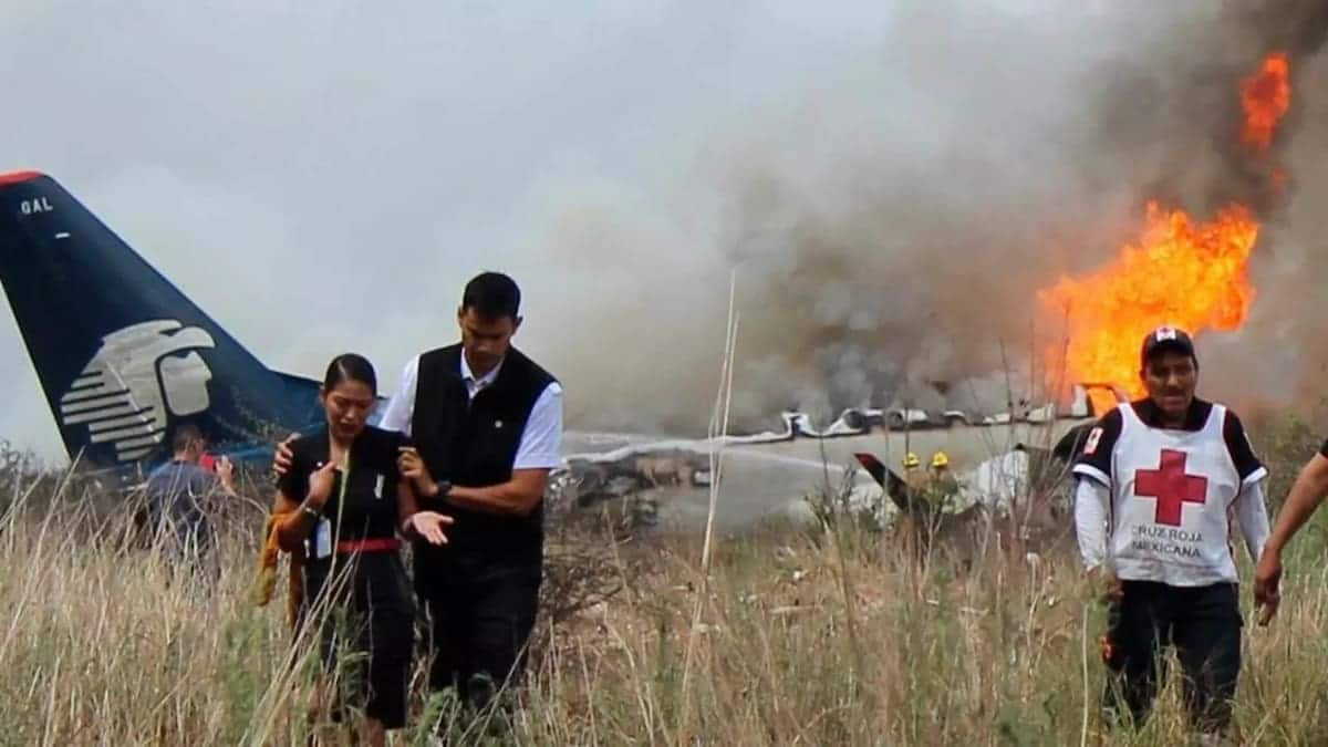 10 factors that determine rate of survival during a plane crash