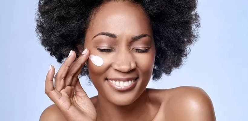 How much foundation should you apply? When to apply foundation powder Where to apply foundation on face