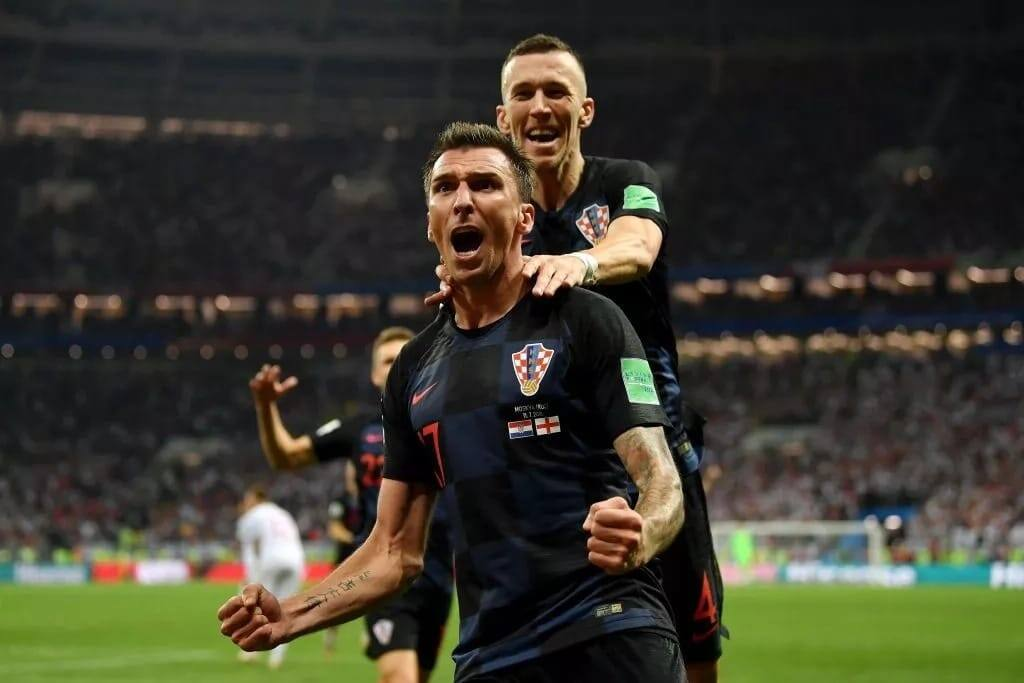 Mandzukic scores winner in extra time to send Croatia into World Cup final