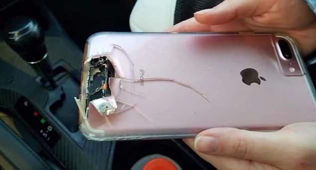 The damaged iPhone that saved the woman's life. Photo: Daily Mail