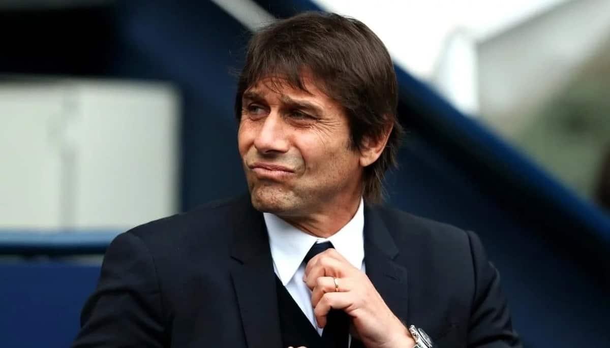 Antonio Conte fighting unhappy players at Chelsea