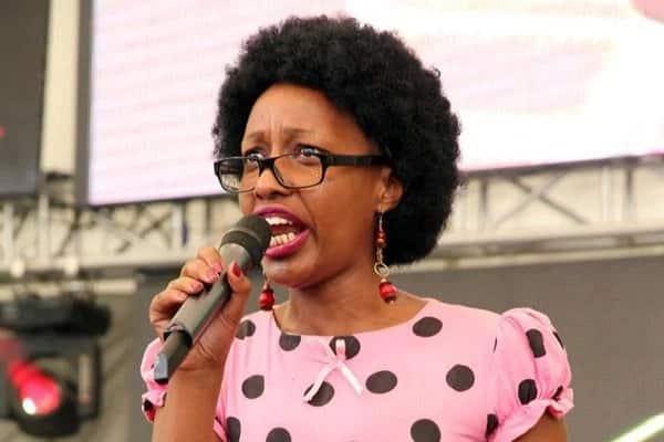 Mcheshi Wanjiku the teacher amkosoa Eric Omondi baada ya kuwaghadhabisha mashabiki wake kwa video 'mbovu'