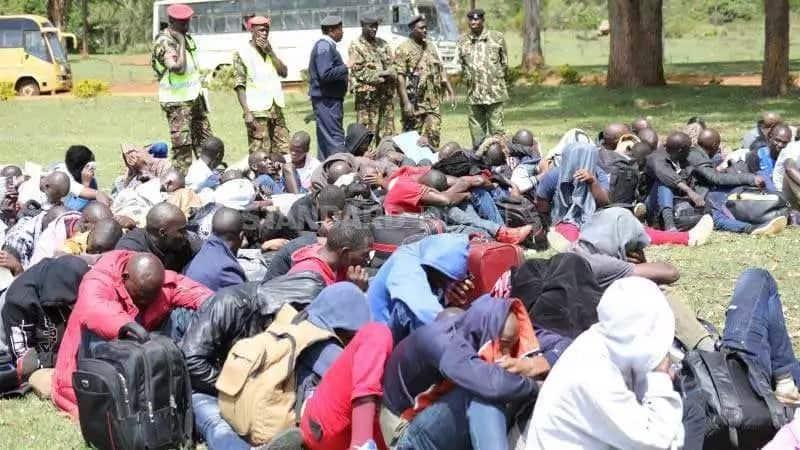 Masaibu maradufu kwa vijana 150 waliokamatwa kwa kununua stakabadhi ghusi kujiunga na jeshi
