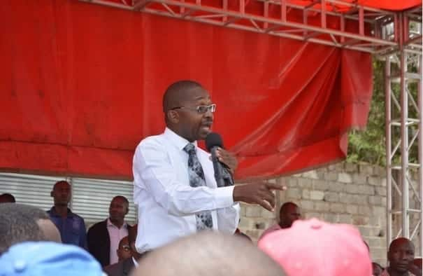 Governor Wa Iria issues residents whistles, says will be used to inform him of water thieves