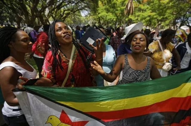 Hatimaye rais Robert Mugabe ajiuzulu