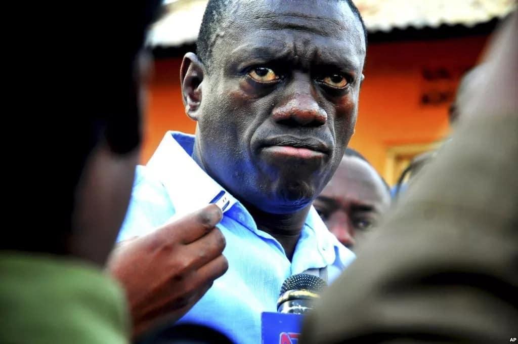 Mafia have taken over my social media - former presidential candidate Kizza Besigye sensationally claims