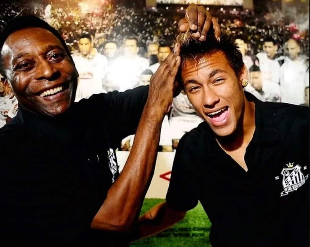 Pele amtaja Neymar na wachezaji wengine wawili kama wanasoka bora duniani