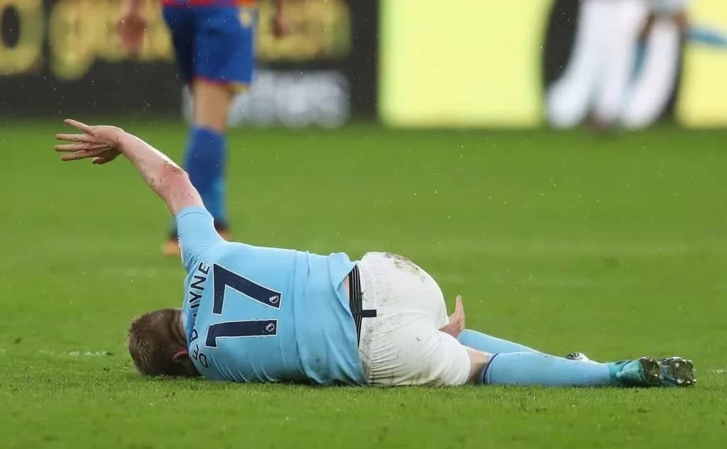 Manchester City's Aguero and De Bruyne not fit to play against Chelsea