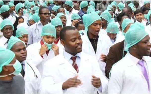 Uhuru Kenyatta gives the striking doctors a new, LUCRATIVE offer