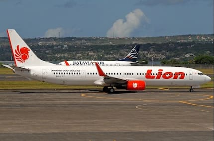 Indonesia plane carrying 188 passengers crashes into the sea