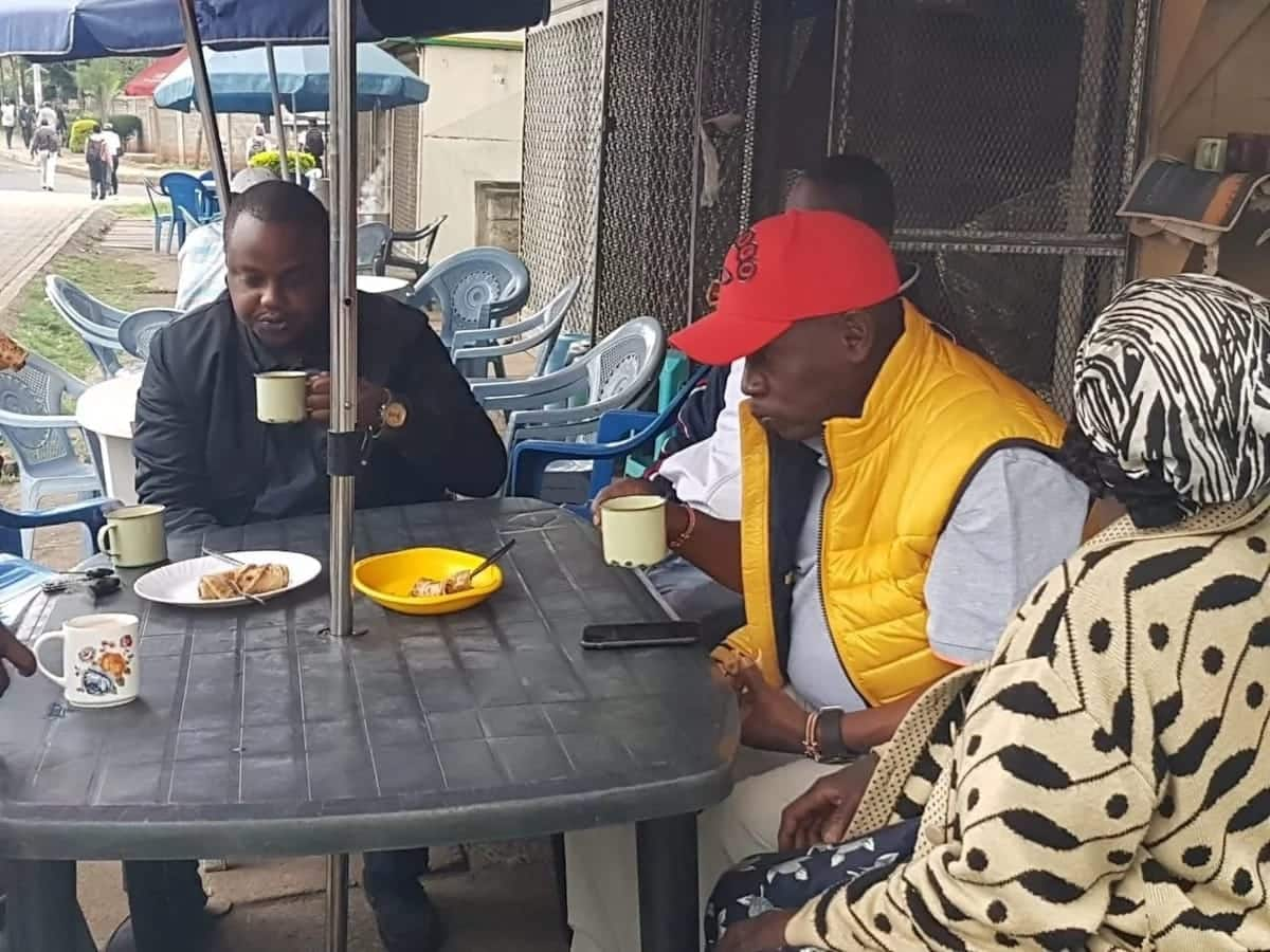 Ex-Kiambu governor William Kabogo warms hearts of supporters after taking breakfast in Kibanda