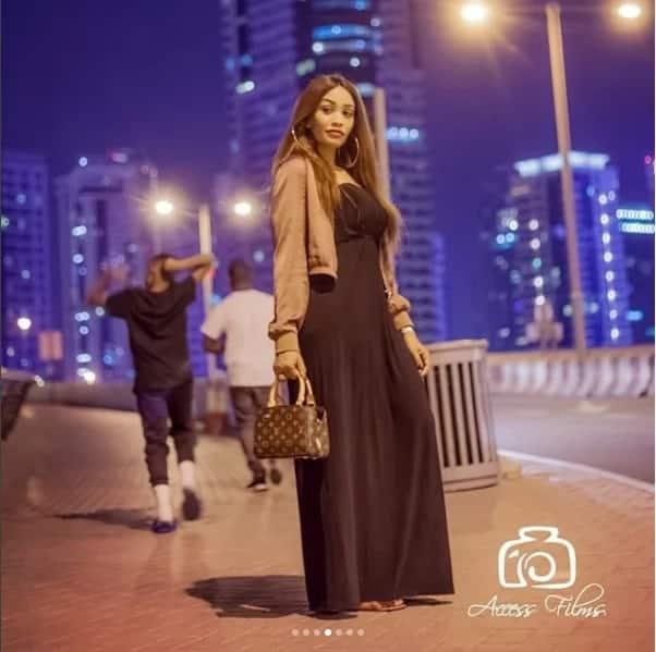 Picha 17 za Zari Diamond akijivinjari na watoto wake Dubai