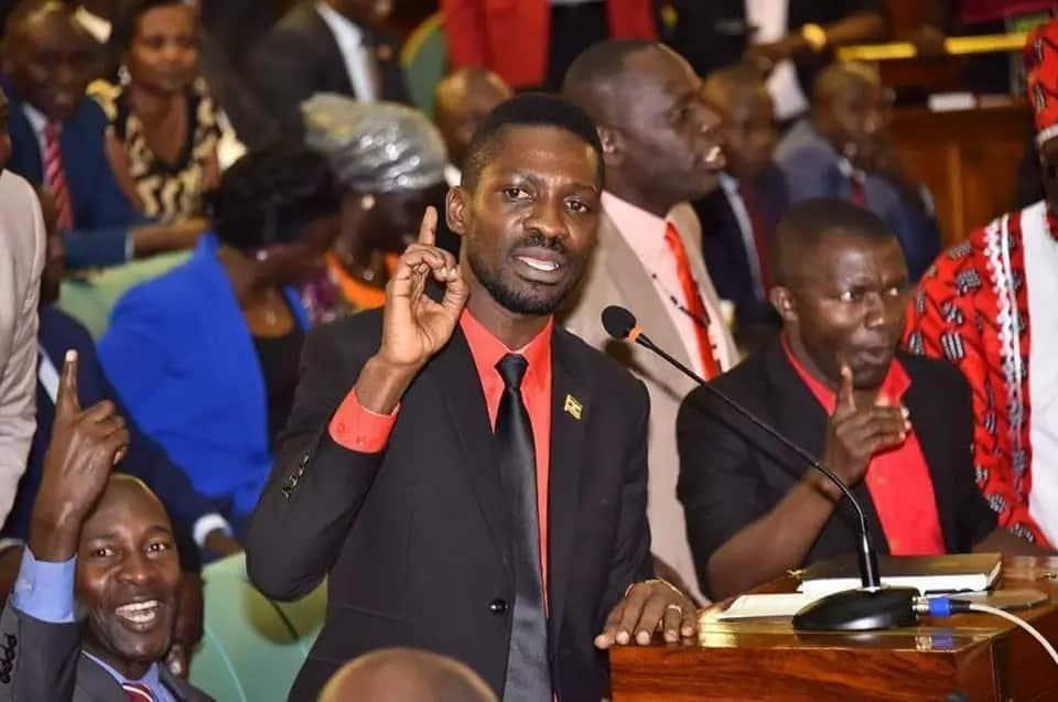 Kuna dawa nyingi za kulevya Uganda mbona mnafuata bangi tu? – Bobi Wine auliza polisi