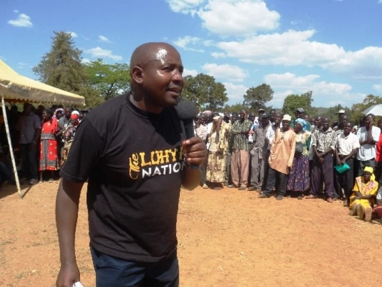 Uhuru condoles with Lugari MP Ayub Savula following daughter's death